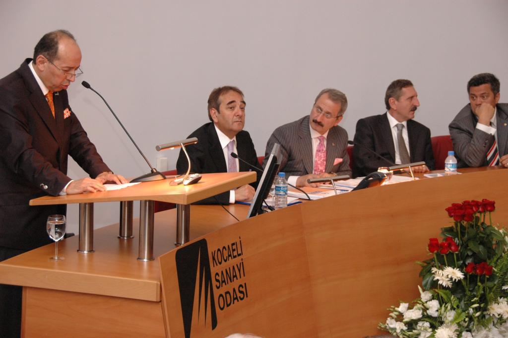 """Sanayi Bakanımı'za """"Sanayi Üniversitesi"""" projesi sunuldu"""